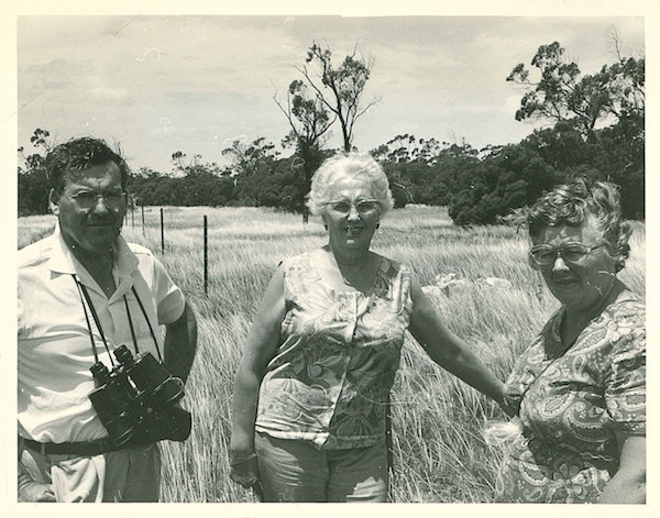 Alwin Clements with Edna Herring (South Australian Photographic Federation) and Berna Clements, visiting Moorunde in the early 1970s.